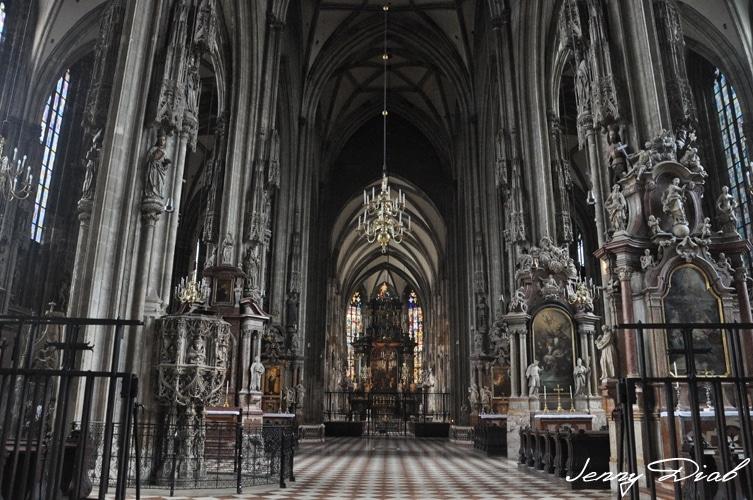 Visiter Vienne en 3 jours - cathédrale Saint-Étienne
