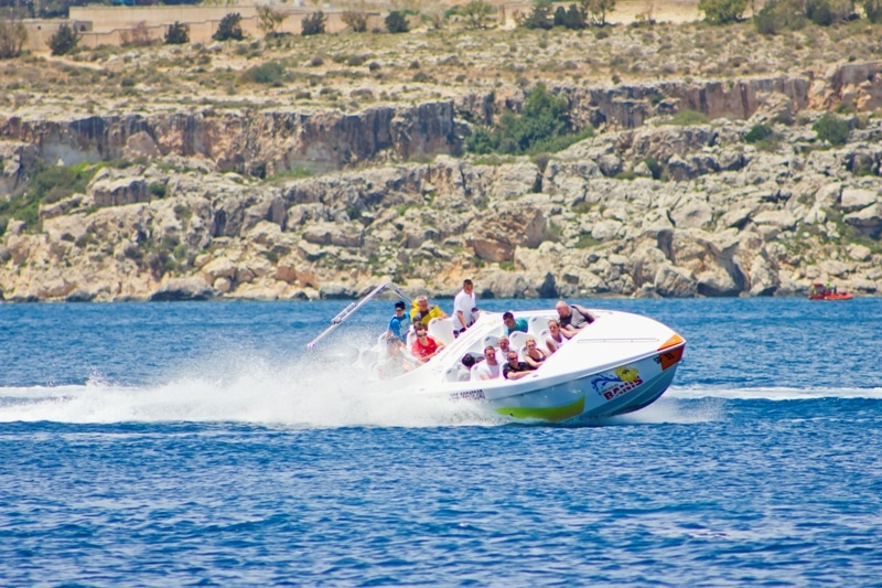 5 choses à faire à Malte - speed boat