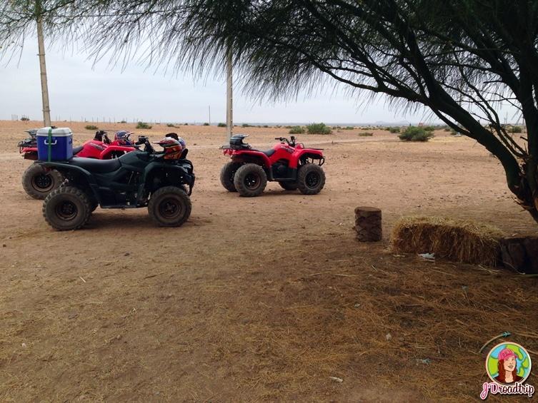 Arrêt chez l'habitant - randonnée en quad dans la palmeraie de Marrakech