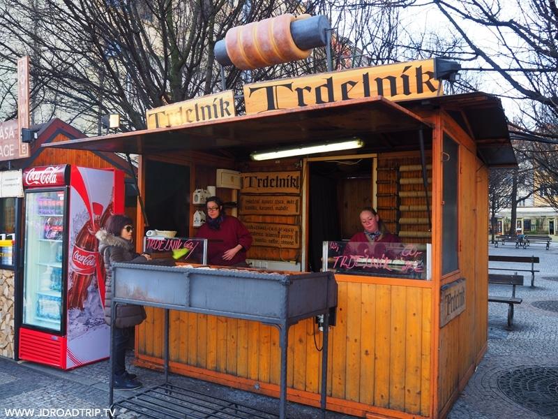 Bonnes adresses où manger à Prague - Trdelnik Place du marché
