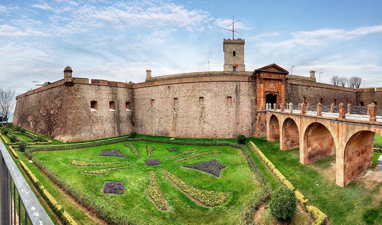 visiter le château de Montjuic