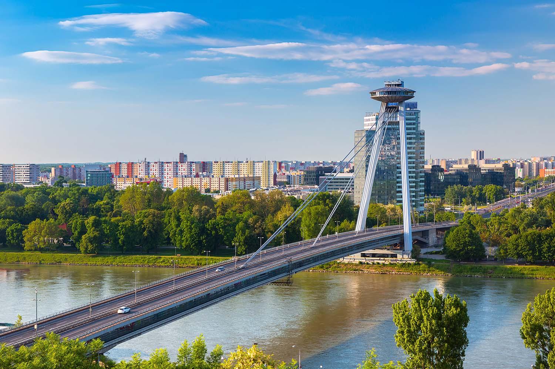 Visiter Bratislava - Pont Ovni