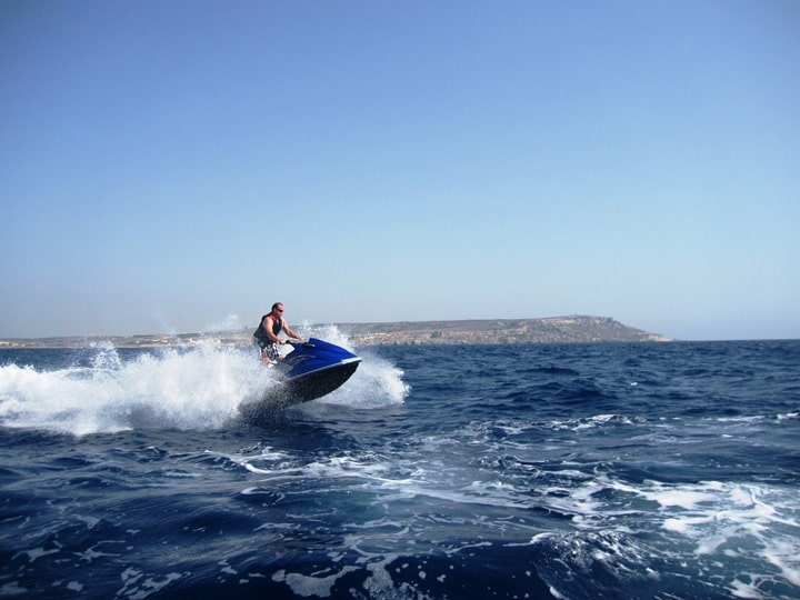 5 choses à faire à Malte - Jet ski