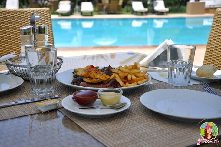 Hôtel dans la palmeraie de Marrakech - déjeuner
