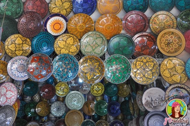 Plat - types de souvenirs à ramener du Maroc