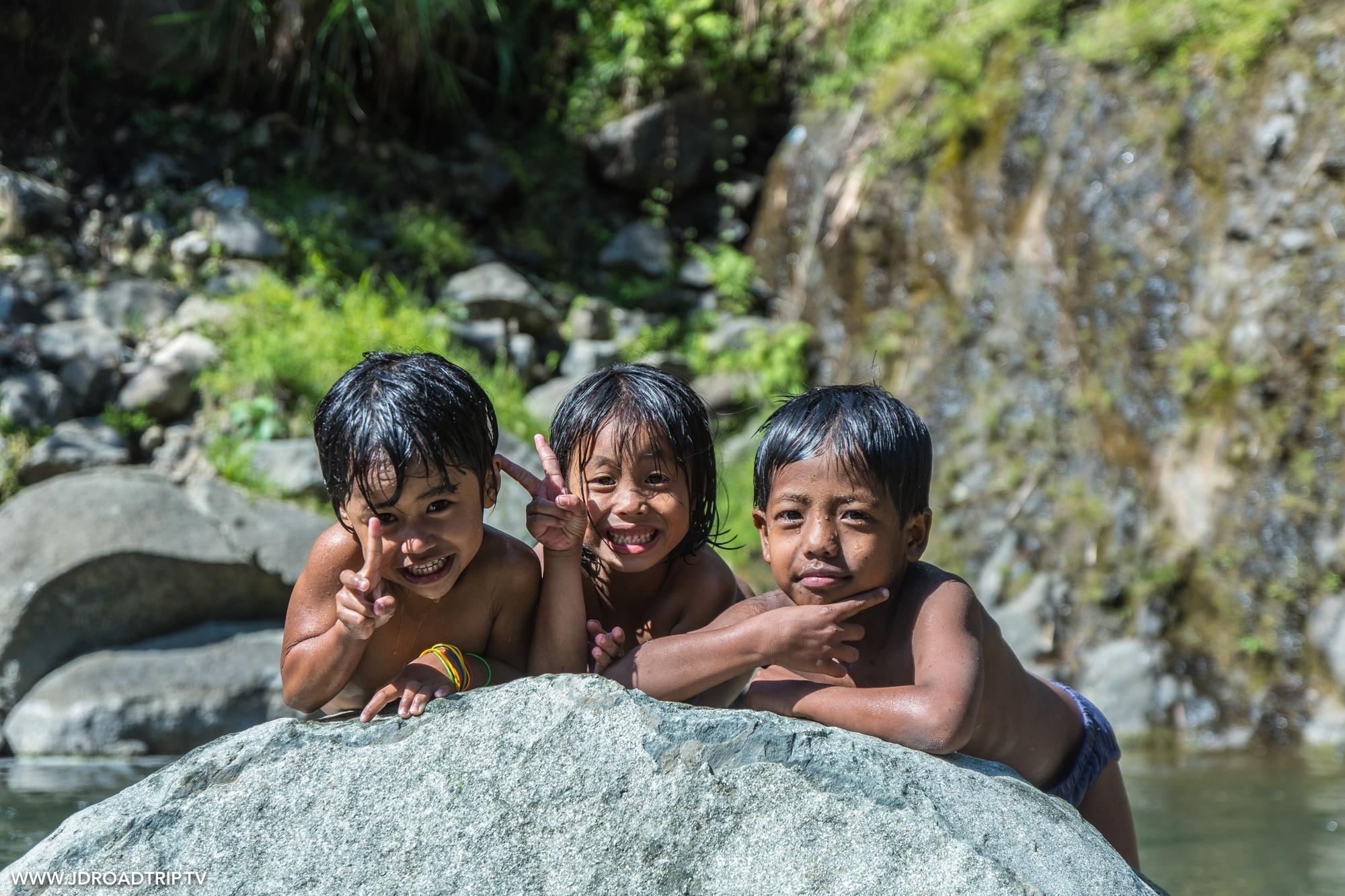 Trek dans les rizières de Banaue et Batad - Enfants Cambulo
